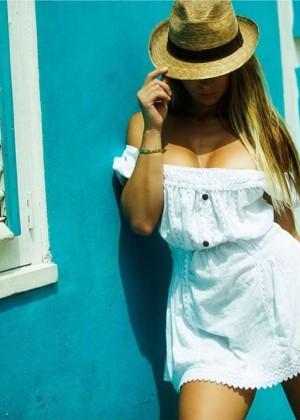Livia Gullo: 50 Hottest Pics-29