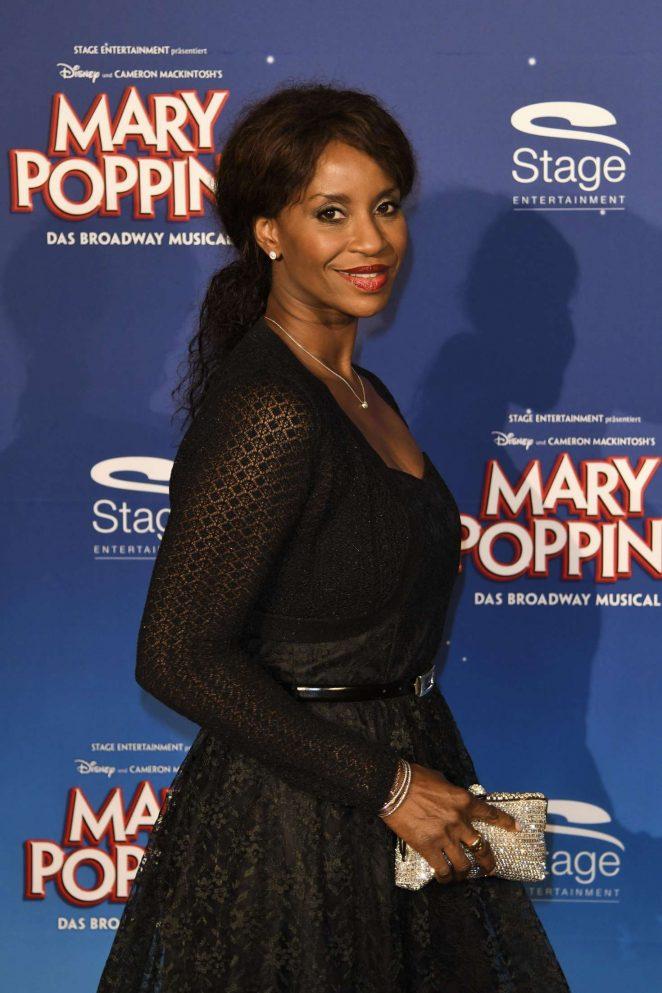 Liz Baffoe: Mary Poppins Premiere -02