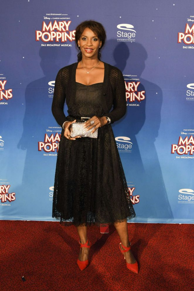 Liz Baffoe: Mary Poppins Premiere -05
