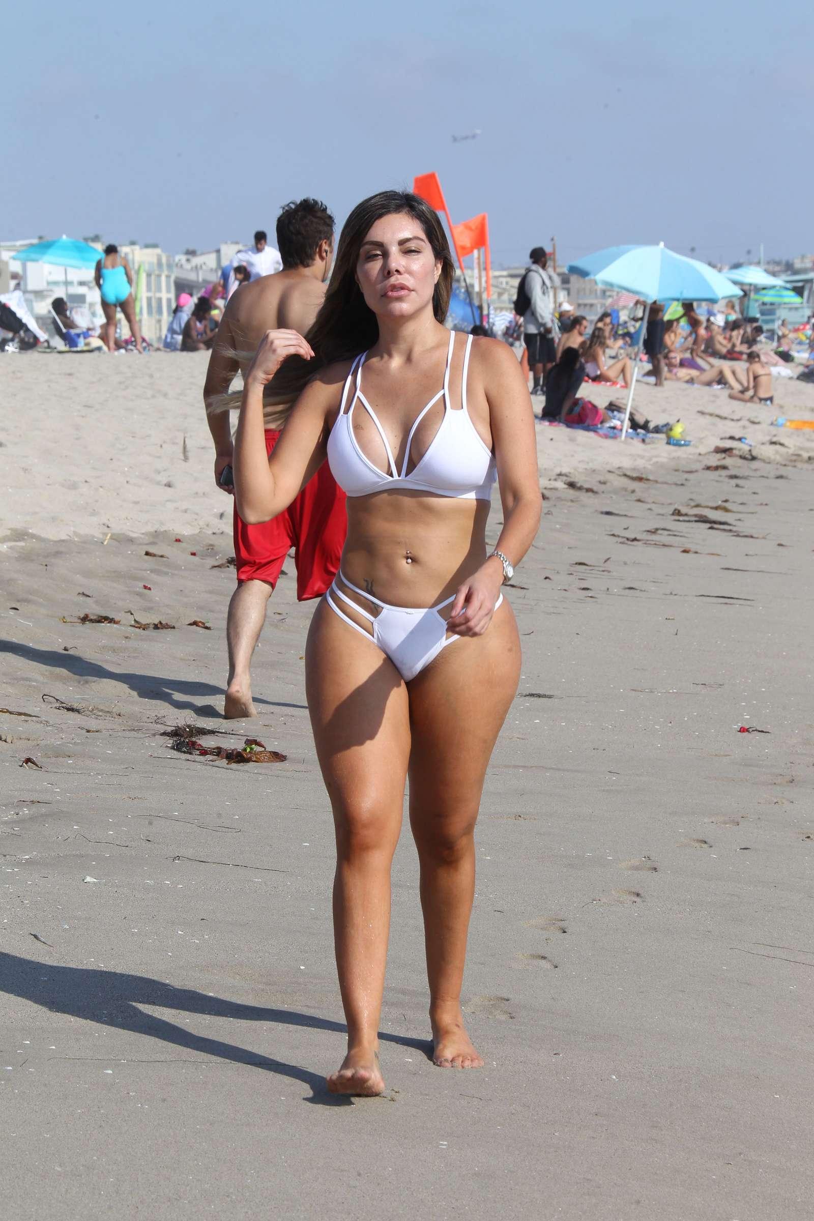 Liziane Gutierrez Nude Photos 16