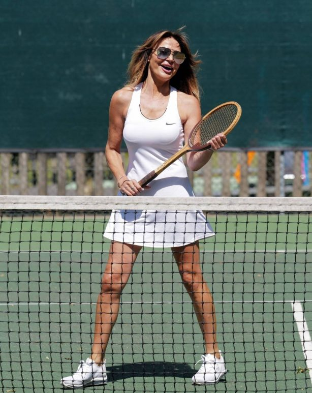 Lizzie Cundy - Enjoying a tennis game with a friend in London