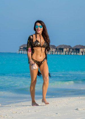 Lizzie Cundy in bikini on a beach in Maldives