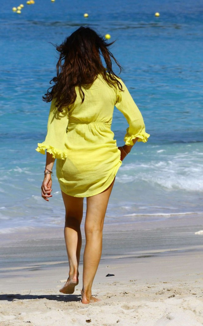 Lizzie Cundy in Yellow Bikini -14