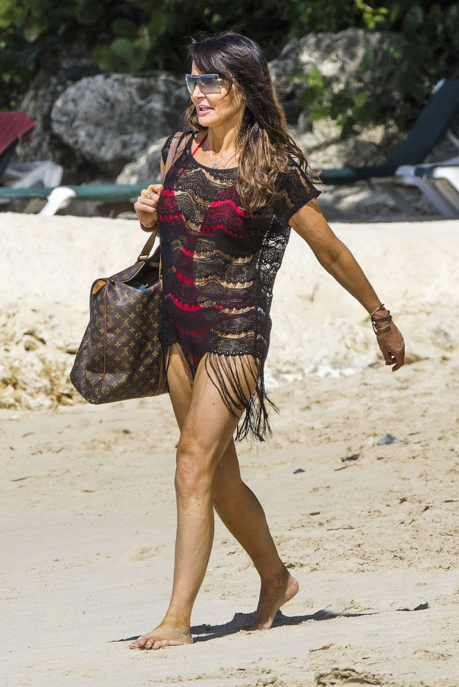 Lizzie Cundy: Seen at a beach in Barbados-03