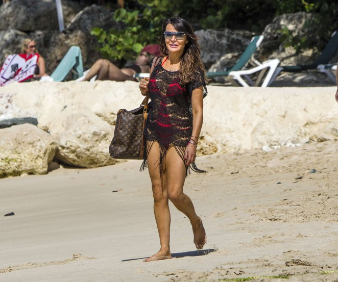 Lizzie Cundy: Seen at a beach in Barbados-05
