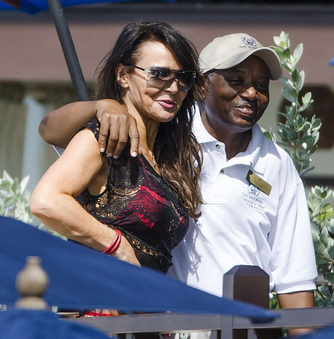 Lizzie Cundy: Seen at a beach in Barbados-08