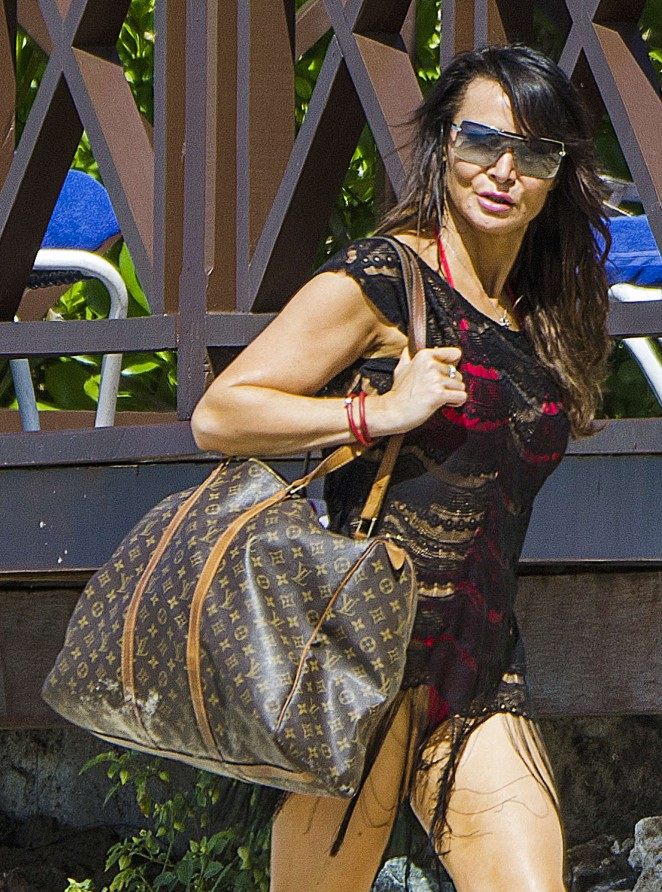 Lizzie Cundy: Seen at a beach in Barbados-10