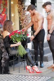 Lizzie Cundy - Shopping at Lucy Choi in London