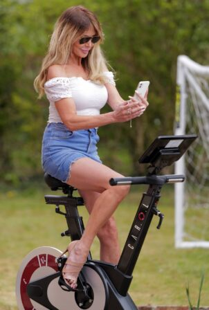Lizzie Cundy - Training with her new 'Carol' bike in London