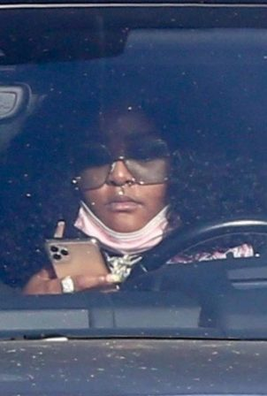 Lizzo - Is seen texting in West Hollywood