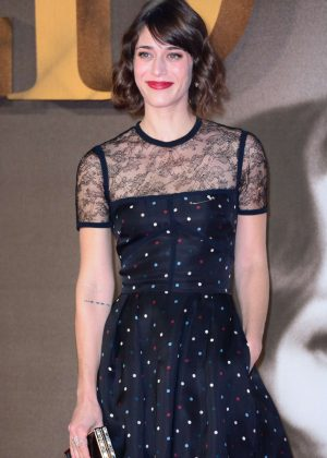 Lizzy Caplan - 'Allied' Premiere in London