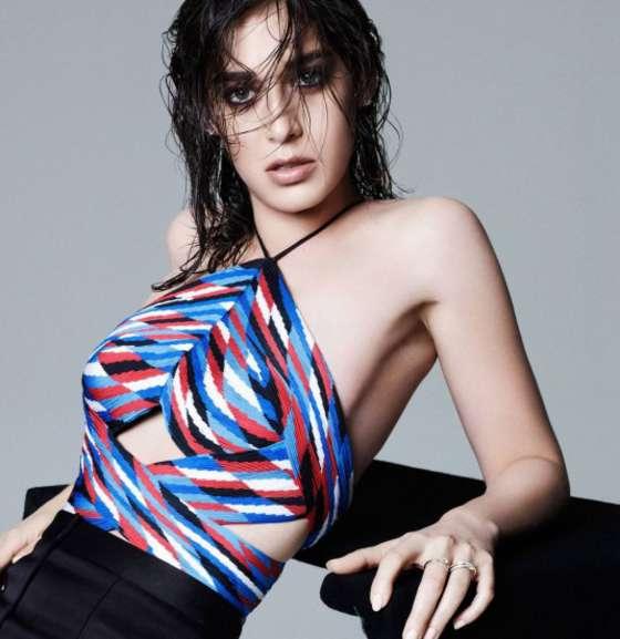 Lizzy Caplan - Elle Magazine (February 2015)