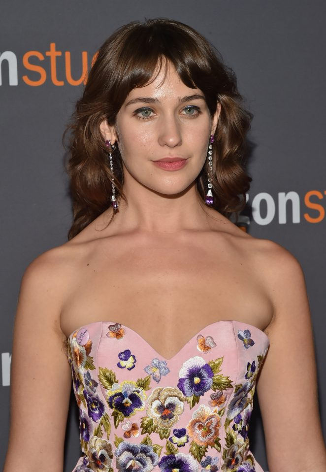 Lola Kirke - 2017 Amazon Studios Golden Globes Party in LA