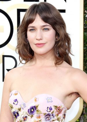 Lola Kirke - 74th Annual Golden Globe Awards in Beverly Hills