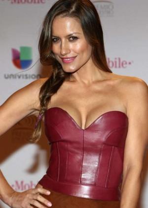 Lola Ponce - 2015 Premios Lo Nuestros Awards in Miami
