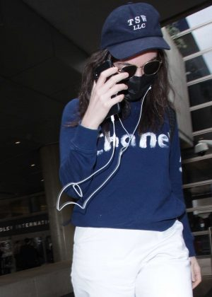 Lorde - Arriving at LAX Airport in Los Angeles