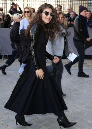 Lorde - Arriving for Christian Dior Fashion Show in Paris
