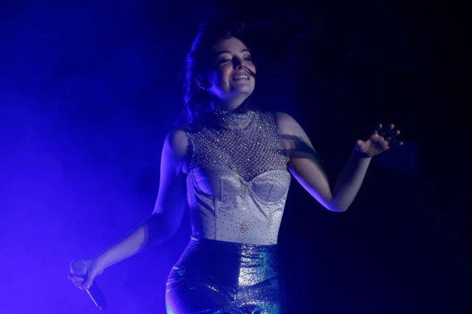 Lorde - Performs at 2017 Coachella Valley Music in Indio
