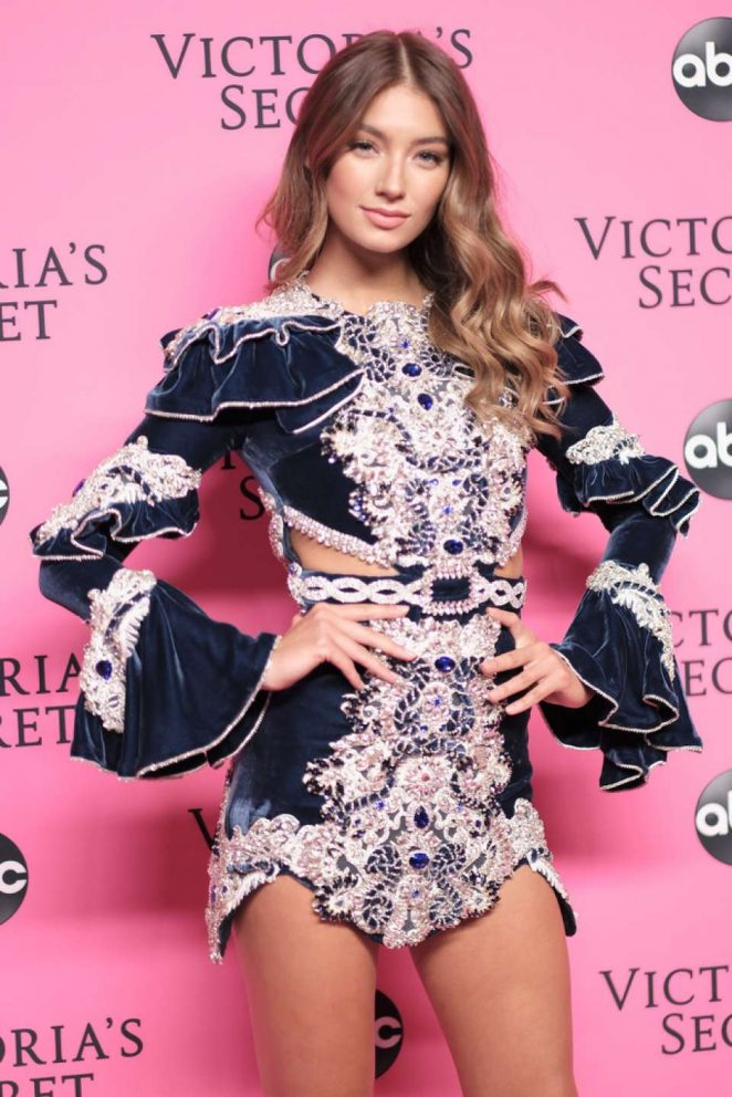 Lorena Rae – 2018 Victoria's Secret Viewing Party in New York