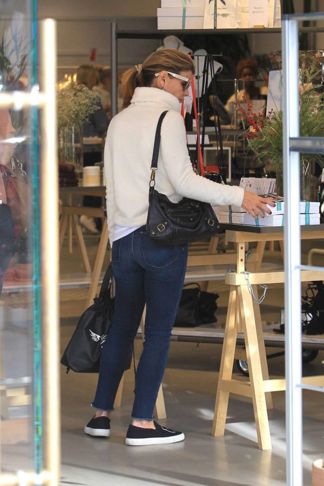Lori Loughlin - Christmas Shopping in Beverly Hills