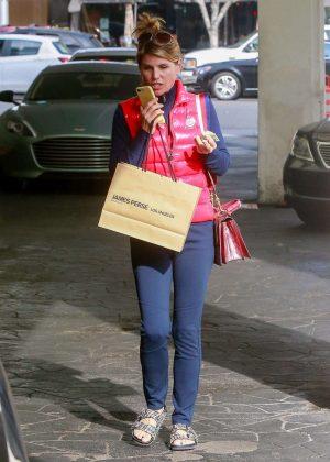 Lori Loughlin - Shopping in Beverly Hills