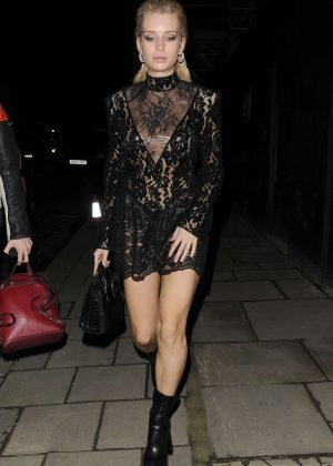Lottie Moss – Arrives at the Love Magazine party in London