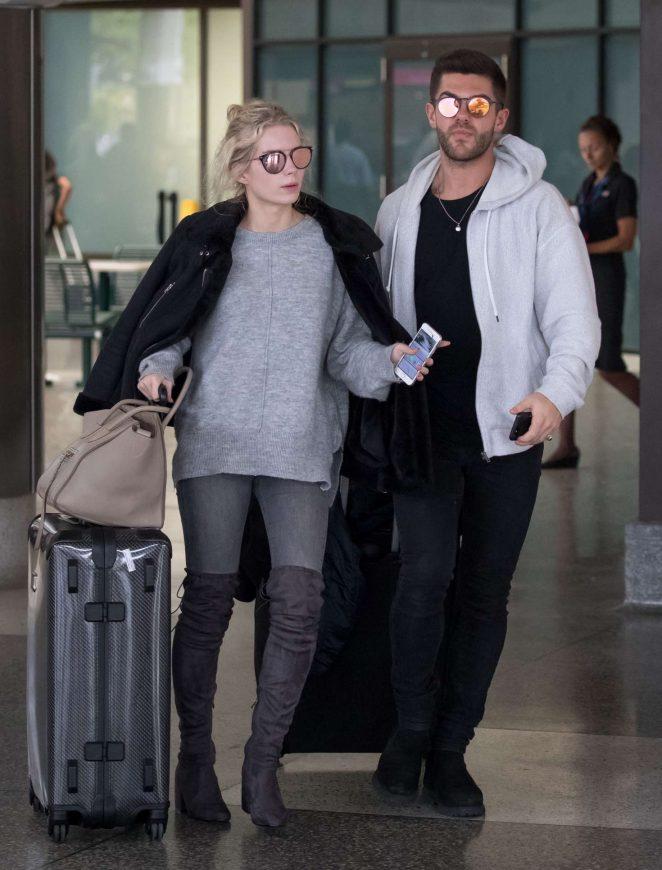 Lottie Moss Arriving in Barbados