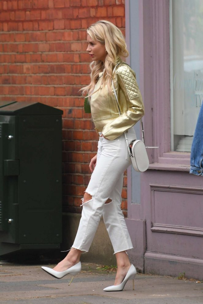 Lottie Moss in Ripped Jeans on King's Road in Chelsea