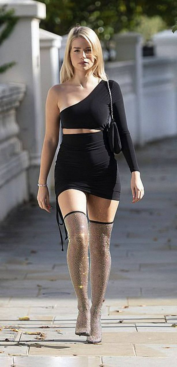 Lottie Moss - Out and about in London