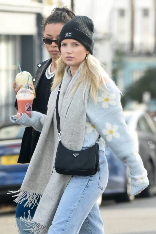 Lottie Moss - Out with friends in Primrose Hill