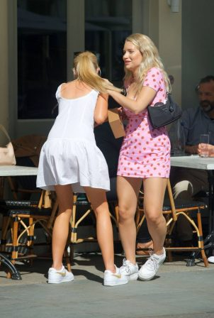 Lottie Moss - Out with her friend for a lunch