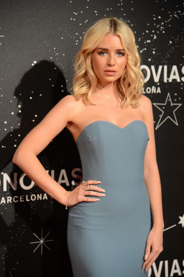 Lottie Moss - Photocall of the Pronovias Fashion Show in Barcelona