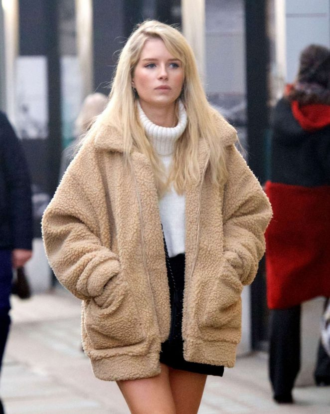 Lottie Moss – Shopping in Chelsea