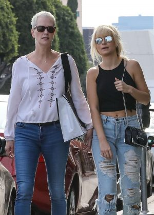 Lottie Moss - Shopping with her mother in West Hollywood