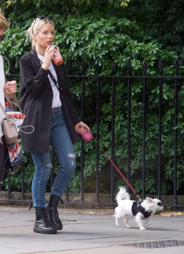 Lottie Moss - Taking her chihuahua Lulu for a walk in Chelsea
