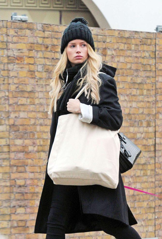 Lottie Moss - Walking her dog in Chelsea