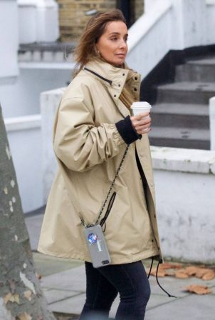 Louise Redknapp - Out for Coffee fix in Primrose Hill