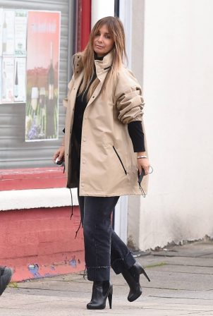 Louise Redknapp - Out for lunch at the Schoolhouse Restaurant in London