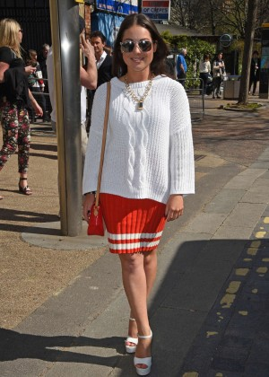 Louise Thompson at The London Studios -06