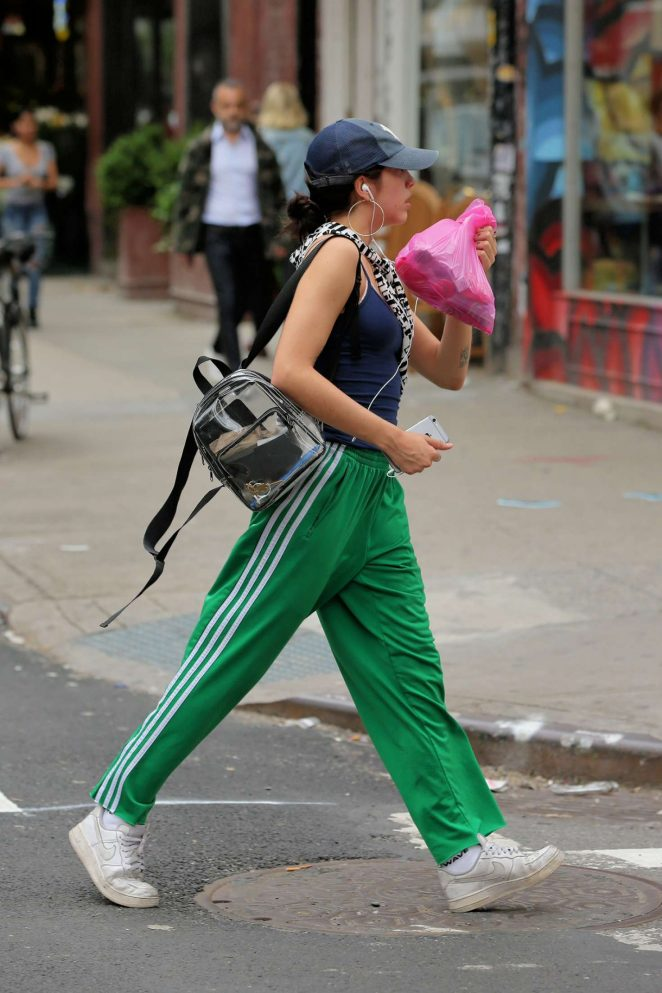 Lourdes Leon shopping in New York City -01