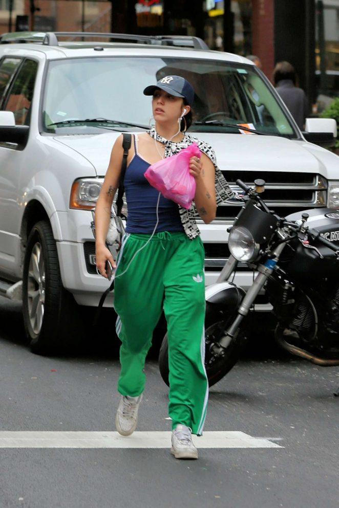 Lourdes Leon shopping in New York City -16