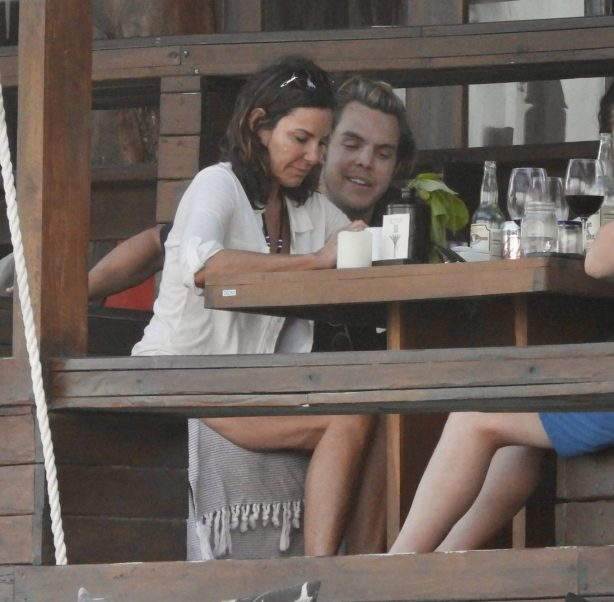 Luann de Lesseps - Out with friends at a coffee shop in Tulum