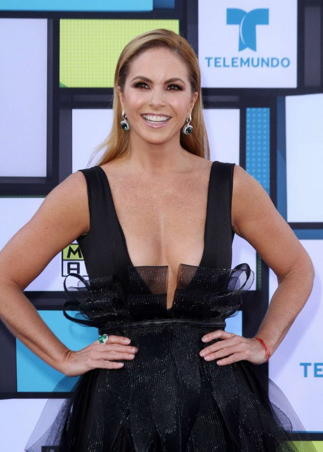 Lucero - Latin American Music Awards 2016 in Los Angeles