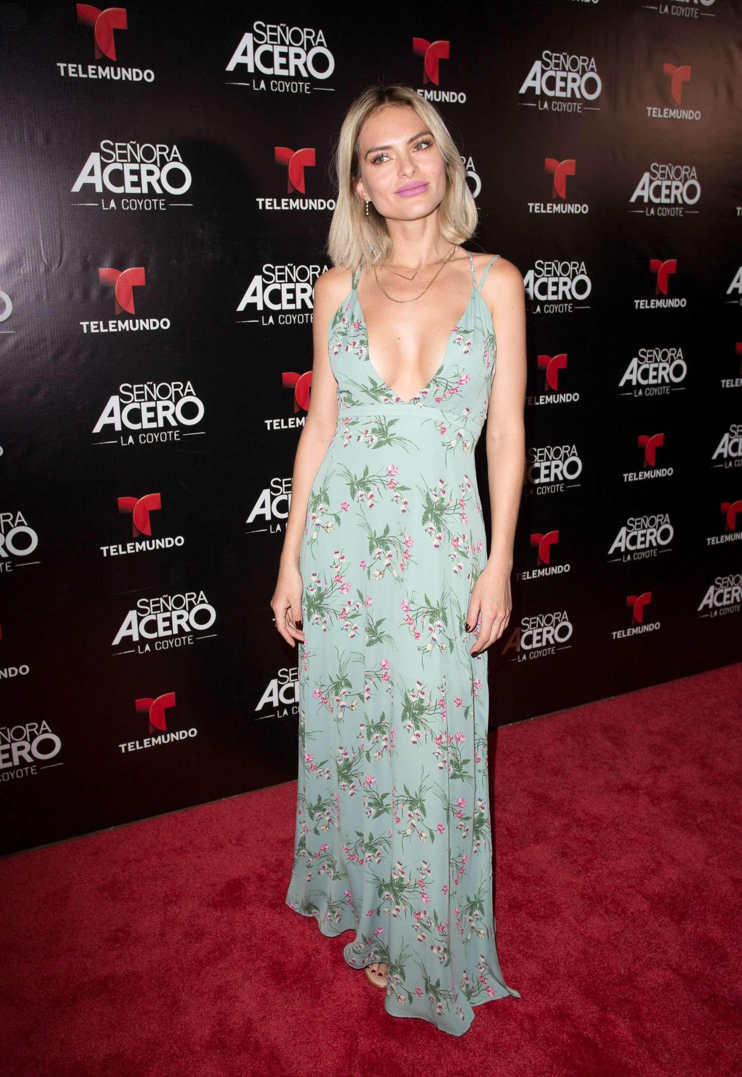 Lucia Silva 2017 : Lucia Silva: Senora Acero La Coyote Premiere -09