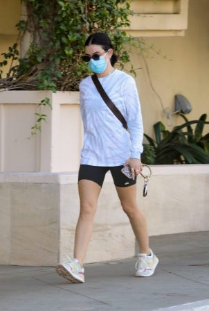 Lucy Hale - Goes to a gym in Los Angeles