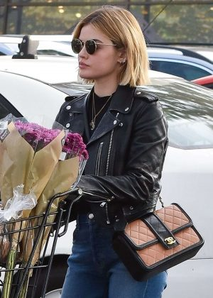 Lucy Hale - Shopping at Ralph's in Studio City