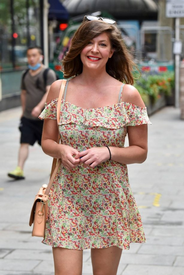 Lucy Horobin - Looks cute outside the Global Studios in London