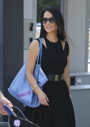 Lucy Liu Leaving Extra TV at Universal Studios in Studio City