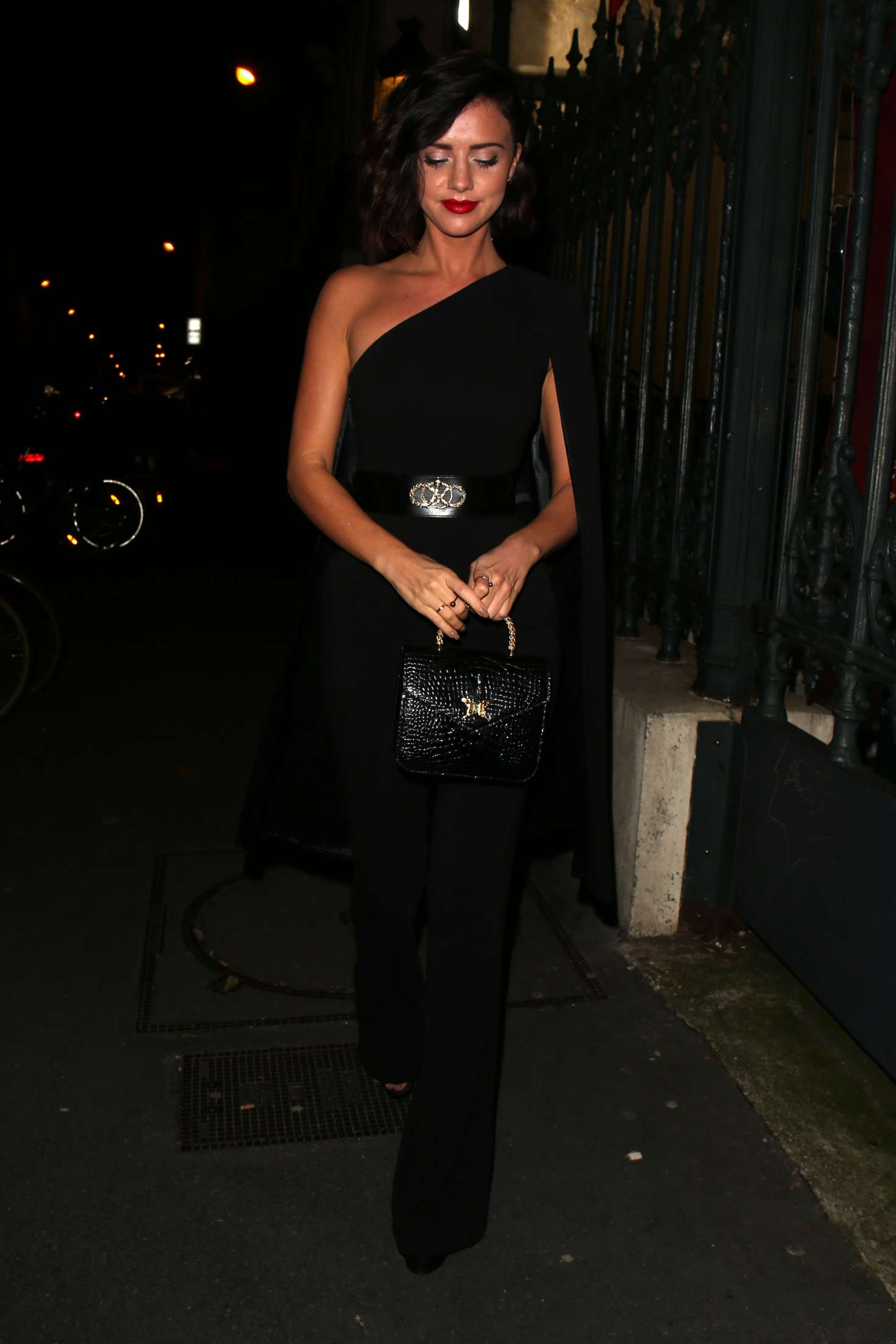 Lucy Mecklenburgh 2018 : Lucy Mecklenburgh: Arriving at Gun Pei Fashion Show 2018 -02