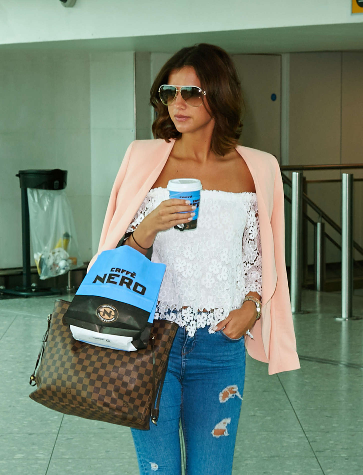 Lucy Mecklenburgh 2015 : Lucy Mecklenburgh at Heathrow Airport -01